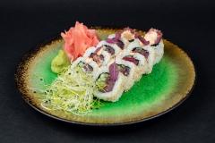 SUSHI-Uramaki-z-tuńczykiem